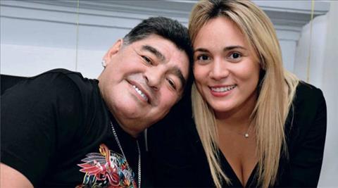 Huyền thoại Maradona cầu hôn bạn gái trẻ hình ảnh