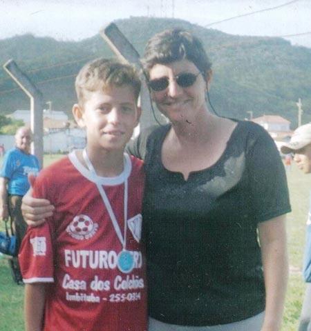 Chuyên gia đình tuổi thơ tiền vệ Jorginho tân binh Chelsea hình ảnh