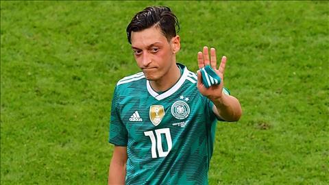 Mesut Ozil chia tay ĐT Đức hình ảnh