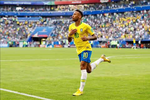 Neymar phớt lờ mọi chỉ trích về thói ăn vạ