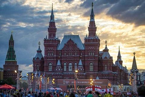 Cổ động viên ĐT Anh kéo đến Moscow trước trận gặp Colombia hình ảnh 11