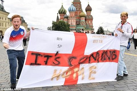 Cổ động viên ĐT Anh kéo đến Moscow trước trận gặp Colombia hình ảnh 7