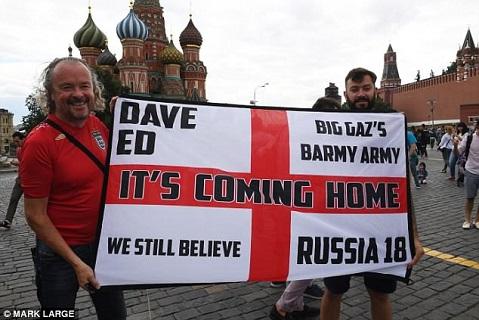 Cổ động viên ĐT Anh kéo đến Moscow trước trận gặp Colombia hình ảnh 5