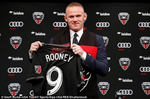 Rooney trong mau ao DC