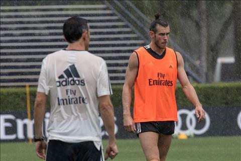 Gareth Bale doi mua tap luyen cung Real Madrid de chuan bi cho chuyen du dau he 2018.