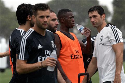 Tai nang tre Vinicius Junior cung gop mat trong chuyen du dau he cua Real Madrid.