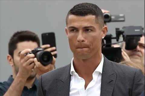 Gia ve Serie A tang nho viec Cristiano Ronaldo den Juventus.