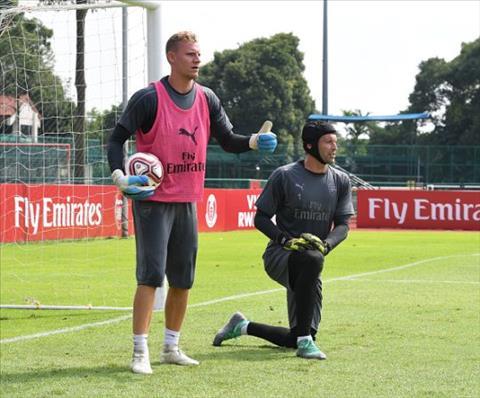 Thủ môn Bernd Leno sẵn sàng bắt chính thay Cech hình ảnh