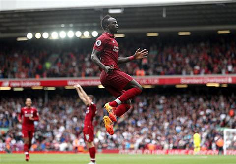 Mane la con ac mong voi cau thu West Ham. Anh: Reuters.