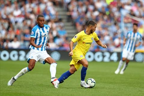Sarri ca ngợi Hazard trong trận thắng Huddersfield