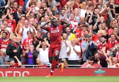 Sadio Mane lap cu dup trong tran mo man Premier League 2018-19.
