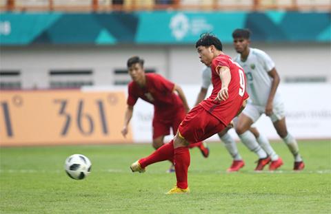 Video Cong Phuong bo lo 2 qua penalty cho Olympic Viet Nam
