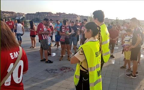 Ban quan ly SVD Wanda Metropolitano da phai cu luc luong an ninh den de ngan nhung CDV qua khich.
