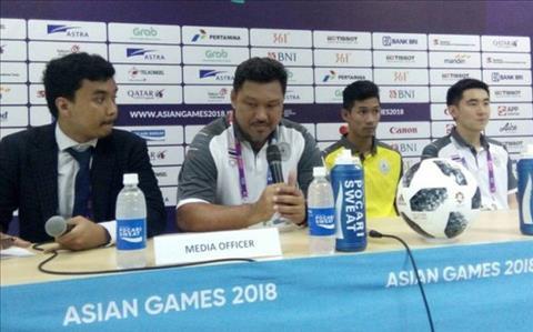 Chơi tệ hại ở ASIAD 2018, HLV Olympic Thái Lan xin lỗi hình ảnh