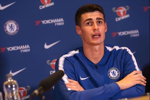 Chelsea chieu mo Kepa o the khien cuong khi bi doi thu ep gia.