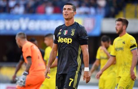Ronaldo da rat no luc nhung khong lam sao khai hoa trong tran ra mat