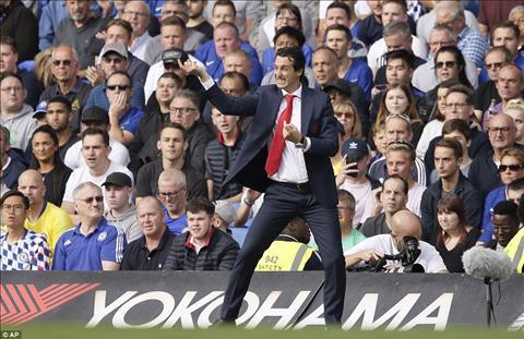 Tiền vệ Mkhitaryan bảo vệ tân HLV Emery của Arsenal bị chỉ trích hình ảnh