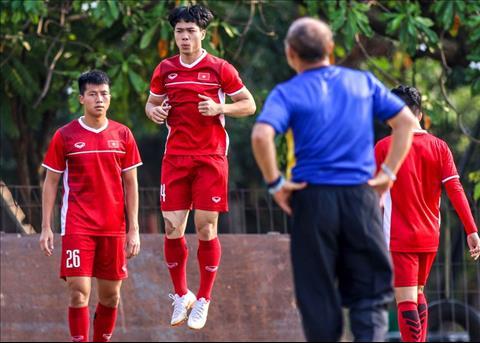 Olympic Viet Nam tap nhe truoc tran dau voi Nhat Ban chieu 19/8