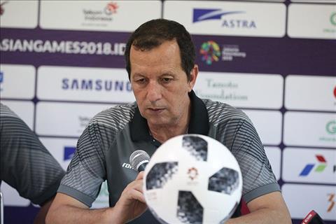HLV Bahrain đổ lỗi cho trọng tài sau trận thua Olympic Việt Nam hình ảnh