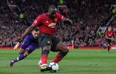 Tiền đạo Lukaku trận MU vs Tottenham bị đổ lỗi cho thất bại hình ảnh