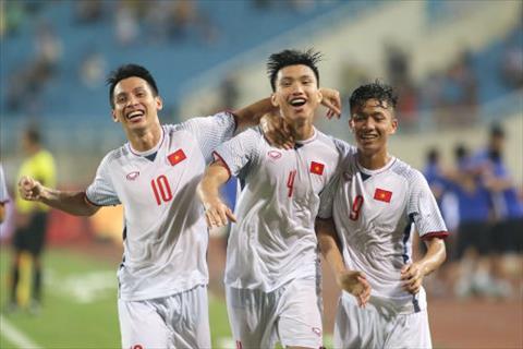 HLV Park Hang Seo khen ngợi 2 cái tên xuất sắc sau trận thắng Oma hình ảnh