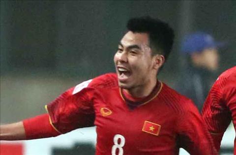 HLV Lê Thụy Hải khen ngợi Đức Huysau trận U23 Việt Nam hình ảnh