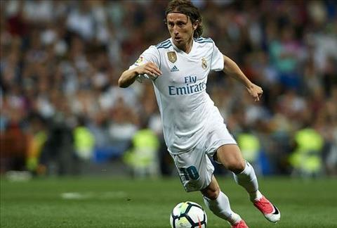 Modric tiết lộ tương lai sau khi đạt giải Cầu thủ xuất sắc nhất hình ảnh