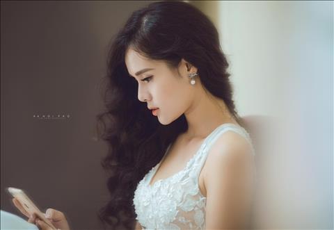Huyen Trang sinh nam 1996, tung tham gia vao nhieu cuoc thi sac dep
