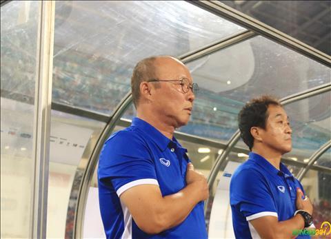 HLV Park Hang Seo cung ban huan luyen phai can nhac rat ky truoc khi lua chon nhan su cho ASIAD 2018.