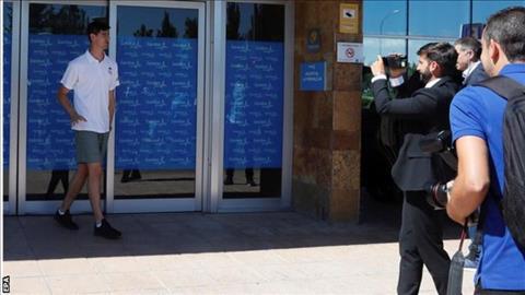 Cập bến Real, Thibaut Courtois phát biểu về Eden Hazard hình ảnh 2