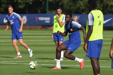 Loay hoay tìm trung vệ, Mourinho tính chiêu mộ trò cưng Zouma hình ảnh