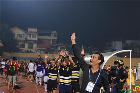 Tập thể Hà Nội làm điều bất ngờ khi ăn mừng chức vô địch V-League 2018 hình ảnh 2