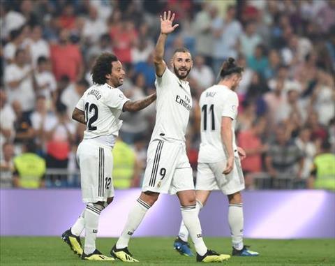 Khi duoc tra ve vai tro so truong, Karim Benzema cho thay ban nang sat thu cua mot chan sut thuong thang.
