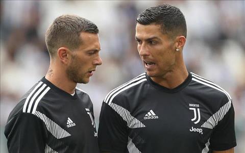 Bernardeschi va Ronaldo