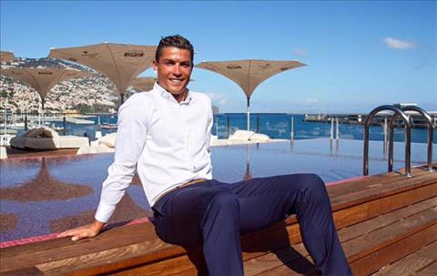 Chuỗi khách sạn của Ronaldo được mở rộng sang Paris hình ảnh