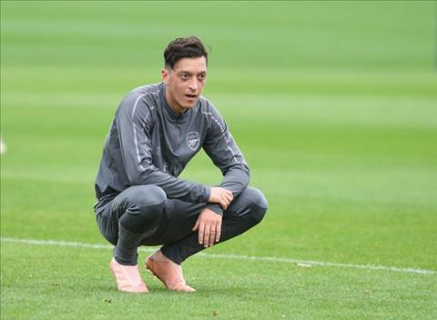 Ozil noi ve tran Newcastle vs Arsenal