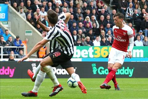 Dư âm Newcastle 1-2 Arsenal Ngày Ozil đáp trả những chỉ trích hình ảnh 2