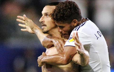Zlatan Ibrahimovic phát biểu về bàn thắng thứ 500 hình ảnh