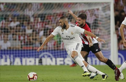 Benzema co 2 tran that vong