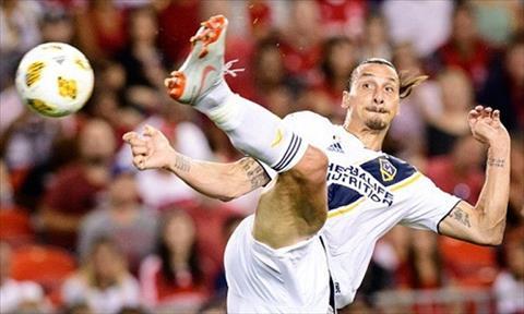 Clip bàn thắng đẹp của Ibrahimovic theo kiểu taekwondo  hình ảnh