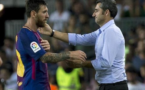 HLV Ernesto Valverde khen ngoi Messi
