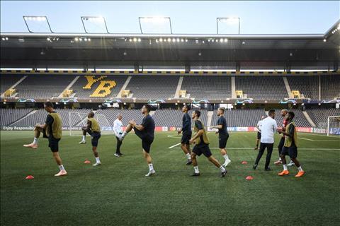 Jose Mourinho nói về mặt sân trước trận ra quân của Man Utd hình ảnh