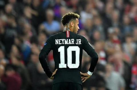 Neymar o tran voi Liverpool