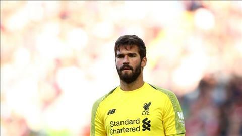 Thủ môn Alisson của Liverpool Chơi dao có ngày đứt tay hình ảnh