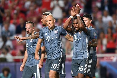 Renato khong an mung ma chap tay xin loi CDV Benfica