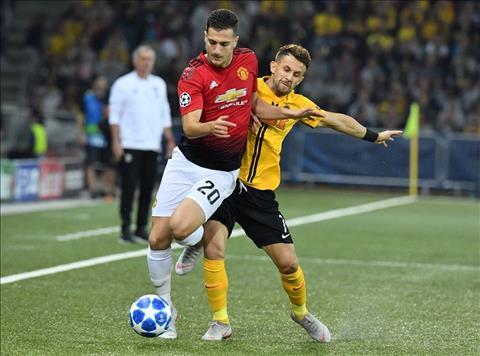 HLV Jose Mourinho ca ngợi Diogo Dalot sau trận ra quân suôn sẻ hình ảnh