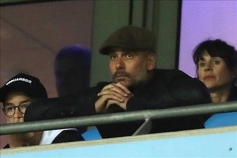 HLV Pep Guardiola tran Man City vs Lyon