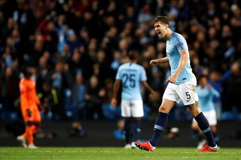 Man City thua 4 tran lien tiep o Champions League