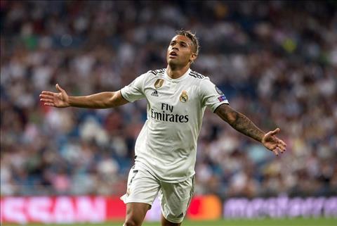 Tiền đạo Mariano Diaz trận Real Madrid vs AS Roma ghi bàn ra mắt hình ảnh