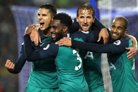 Harry Kane ghi ban giup Tottenham danh bai Brighton 2-1